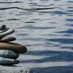 De stenen op deze foto illustreren de delicate balans die ik nu in mijzelf ervaar